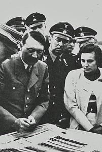 Leni Riefenstahl & Adolf Hitler 3 (1)